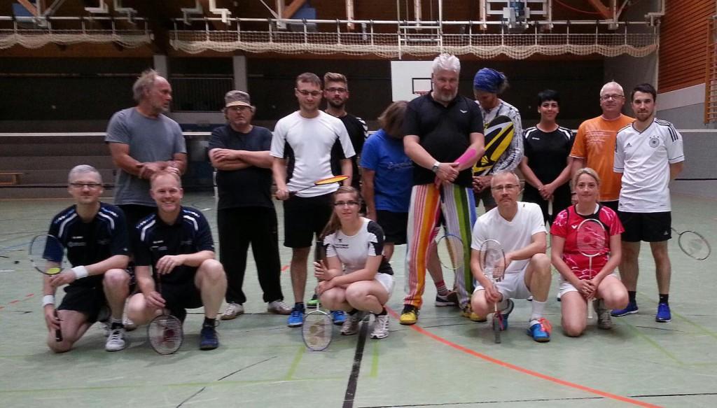 Die Hobbyliga-Mannschaften des ESV Jahn Treysa und BV Alsfeld (14. Juli 2016)